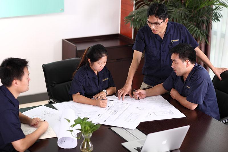 ΔΩΡΕΑΝ ΣΧΕΔΙΑΣΜΟΣ ΣΥΣΤΗΜΑΤΟΣ και QUOTE Οι υπηρεσίες δωρεάν σχεδιασμού και προσφοράς παρέχονται από την ομάδα τεχνολογίας GOMON. Είμαστε πάντα εδώ για να βοηθήσουμε και να σας προσφέρουμε συμβουλές όπου χρειάζεται, απλά να μας καλέσετε ή να μας στείλετε email, ώστε να ξεκινήσουμε. Η ομάδα τεχνολογίας GOMON θα σχεδιάσει ένα σύστημα ζεστού νερού ειδικά για το σπίτι σας. Είμαστε στην ευχάριστη θέση να σας συμβουλέψουμε για την καλύτερη λύση του συστήματος για την επίτευξη των στόχων σας, ακόμη και αν αυτό σημαίνει ότι συνιστούμε εναλλακτικές λύσεις ζεστού νερού.